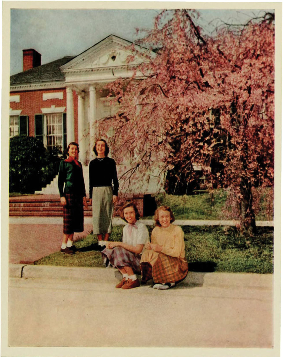 Students in front of the Alumni House, 1952.