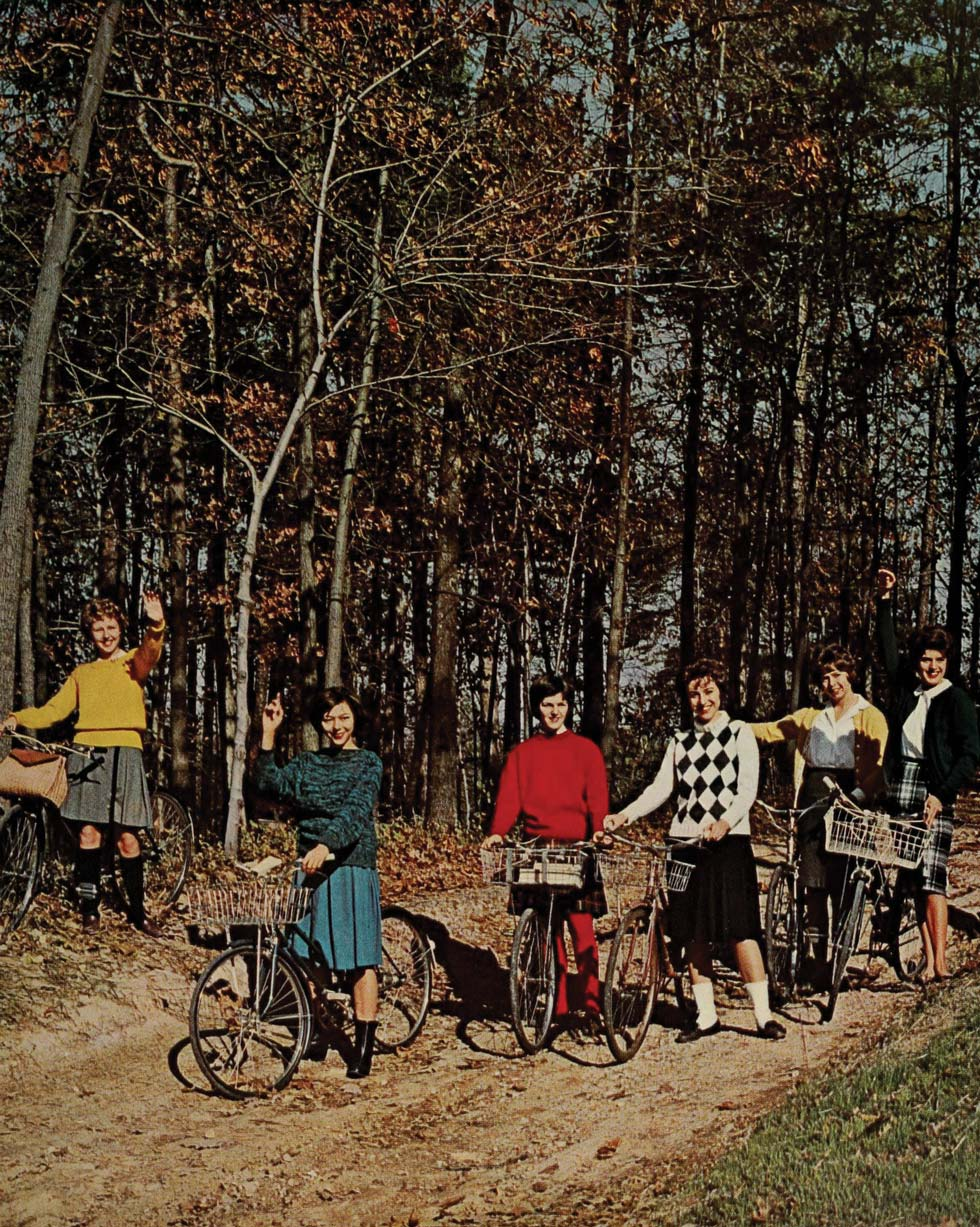 Students in Peabody Park, 1962.